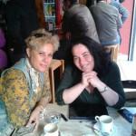 Junto a Natividad Aznar en un momento de café.